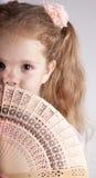 Portret van mooi jong meisje met ventilator Royalty-vrije Stock Foto