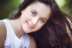 Portret van mooi meisje Stock Afbeeldingen