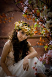 Portret van mooi meisje in antieke kleding Royalty-vrije Stock Foto's