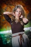 Portret van mooi meisje in het bos Royalty-vrije Stock Foto