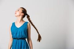 Portret van mooi meisje met het perfecte lange glanzende blonde schot van de haarstudio Royalty-vrije Stock Afbeelding