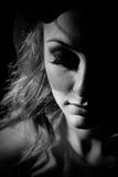 Portret van mooi meisje met sluier Stock Foto
