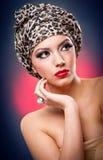 portret van mooi meisje met tulband Royalty-vrije Stock Foto's
