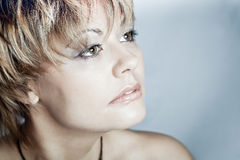 Portret van mooi meisje, studio Stock Foto