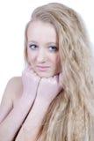 Portret van mooi natuurlijk blond jong meisje stock afbeeldingen