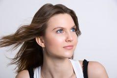 Portret van mooi peinzend meisje Stock Foto