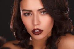 Portret van mooi vrouwelijk model Royalty-vrije Stock Foto