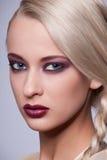 Portret van mooi vrouwenmodel. De foto van de manier Royalty-vrije Stock Foto's