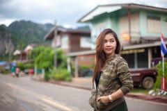 Portret van mooie Aziatische jonge vrouw stock fotografie