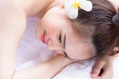 Portret van mooie Aziatische mensen met dichte omhooggaande mening en dicht Stock Afbeeldingen