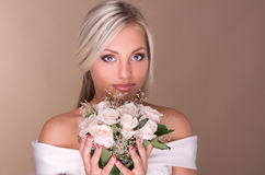 Portret van mooie blonde bruid Stock Fotografie
