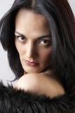 Portret van mooie donkerbruine vrouw Stock Afbeeldingen