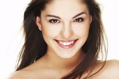 Portret van mooie gelukkige jonge vrouw Royalty-vrije Stock Afbeeldingen