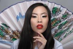 Portret van mooie jonge Aziatische vrouw royalty-vrije stock afbeeldingen