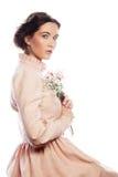Portret van mooie jonge bruid in roze kleding Royalty-vrije Stock Fotografie