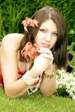Portret van mooie jonge dame Stock Afbeelding