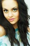 Portret van mooie jonge sexy brunette Stock Afbeelding