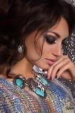 Portret van mooie jonge vrouw met make-up royalty-vrije stock foto's