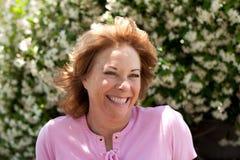 Portret van mooie maar verouderende 50-jaar oude vrouw royalty-vrije stock afbeelding