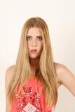 Portret van mooie verraste blondevrouw Royalty-vrije Stock Afbeeldingen