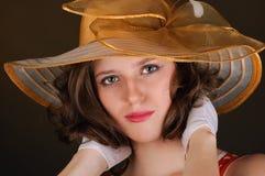 Portret van mooie vrouw in een hoed Stock Foto's