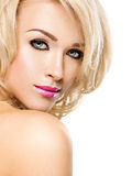 Portret van Mooie vrouw met blond haar Gezicht van manier royalty-vrije stock afbeelding