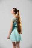 Portret van mooie vrouw met het perfecte lange glanzende blonde schot van de haarstudio Royalty-vrije Stock Foto's