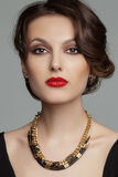 Portret van mooie vrouw met mooie samenstelling Stock Foto's