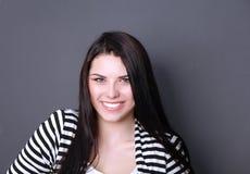 Portret van mooie vrouw op witte achtergrond Stock Foto