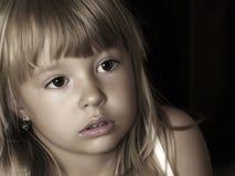Portret van nadenkende baby Royalty-vrije Stock Afbeeldingen