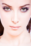 Portret van nadenkende jonge vrouw Stock Foto