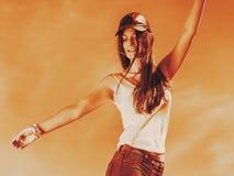Portret van onbezorgd tienermeisje openlucht Stock Fotografie