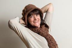 Portret van onbezorgde en vrolijke vrouw stock fotografie