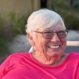 Portret van oudere vrouw royalty-vrije stock afbeeldingen