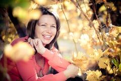 Portret van rijpe vrouw Stock Afbeeldingen