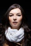 Portret van Russische vrouw op donkere achtergrond Stock Foto's