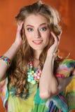 Portret van schitterend vrij slank blonde meisje-model Royalty-vrije Stock Foto's