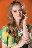 Portret van schitterend vrij slank gelukkig blondemeisje Royalty-vrije Stock Afbeelding
