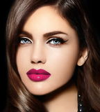 Portret van sexy modelvrouw met kleurrijke lippen perfecte skean Royalty-vrije Stock Afbeeldingen