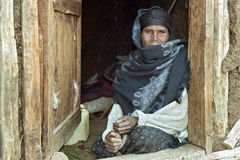 Portret van slechte en zieke Ethiopische vrouw stock afbeeldingen