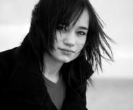 Portret van tienermeisje bij openlucht. Stock Foto's