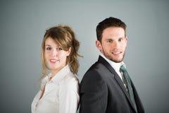 Portret van twee jonge bedrijfsmensen Royalty-vrije Stock Afbeeldingen