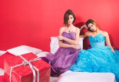 Portret van twee jonge sexy vrouwen Royalty-vrije Stock Afbeeldingen