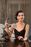 Portret van vrij jonge vrouw Royalty-vrije Stock Foto's