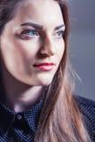 Portret van vrij mooie vrouw Stock Foto