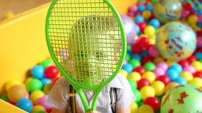 Portret van vrolijke jongen op de Speelplaats stock videobeelden