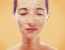 Portret van vrouw met droge huid stock afbeelding
