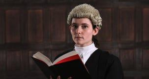 Portret van vrouwelijke advocaat stock videobeelden