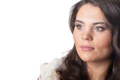 Portret van weggegaane jonge vrouw met donker londhaar stock fotografie