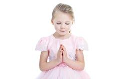 Portret van weinig biddend meisje Royalty-vrije Stock Foto's